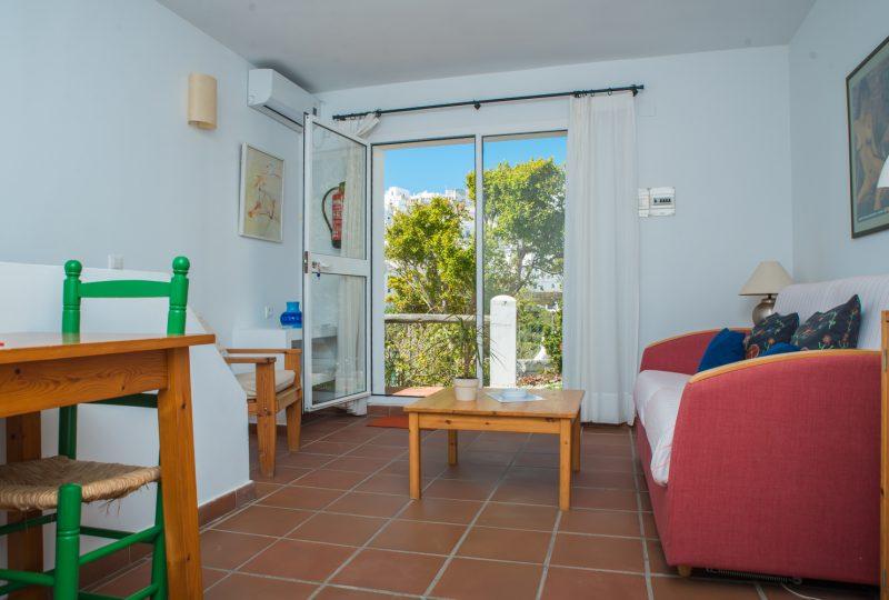 apartamento con vista a piscina